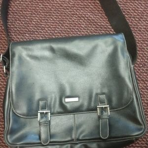 Kenneth Cole Reaction Bags - Kenneth Cole black laptop bag